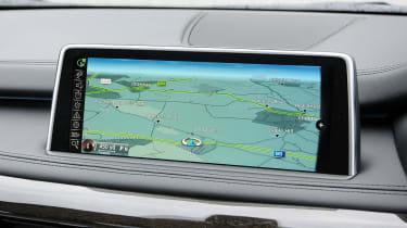 BMW X5 M50d screen
