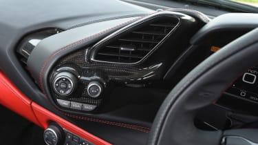 Ferrari 488 GTB 2016 - central vent