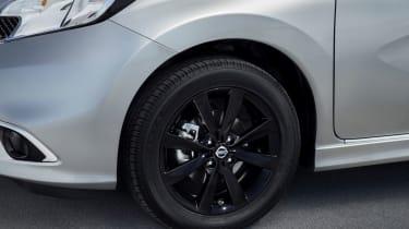 Nissan Note Black Edition - wheel