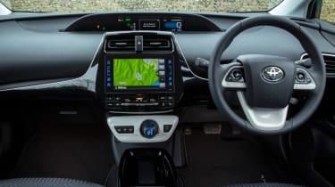 Toyota Prius Plug-in - dash