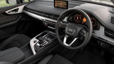 Audi Q7 e-tron 2016 - interior
