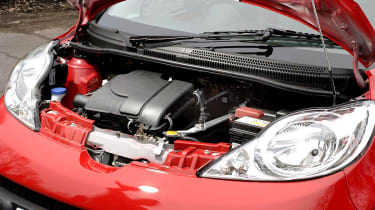 Peugeot 107 Sport XS engine
