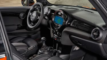 MINI Hatch - interior