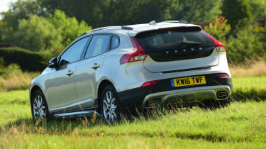 Volvo V40 Cross Country - off-road