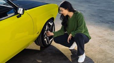 Opel Manta GSe ElektroMOD - wheel influencer