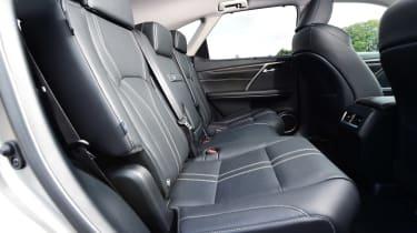 Lexus RX L - seats