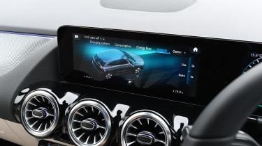 Mercedes EQA - screen
