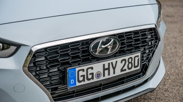 Hyundai i30 Fastback - grille