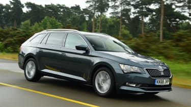 Skoda Superb Estate front tracking