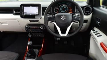 Suzuki Ignis 2016 - interior