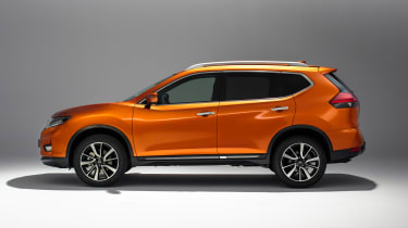 New Nissan X-Trail - side