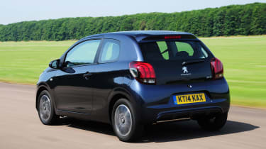 Peugeot 108 rear tracking