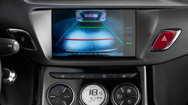 DS 3 hatchback and Cabrio - reversing camera