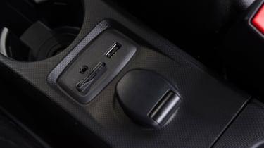 Triple test –Renault Twingo - ports