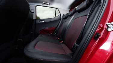 Hyundai i10 facelift 2017 - rear seats