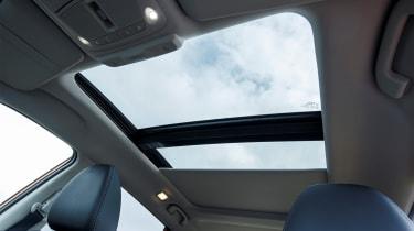 Nissan X-Trail - sunroof