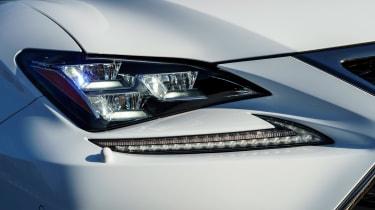 Lexus RC - front light