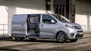 Toyota Proace electric - side open