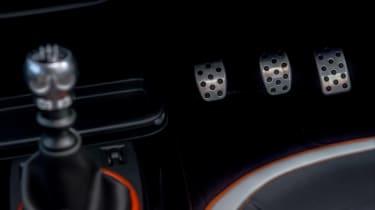Renault Twingo GT - pedals