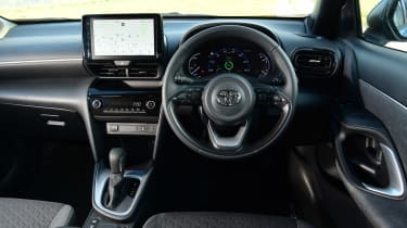 Toyota Yaris Cross - dash