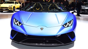 Lamborghini Huracan Performante Spyder head on