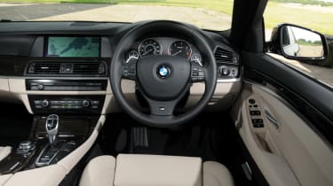 BMW 520d SE dash