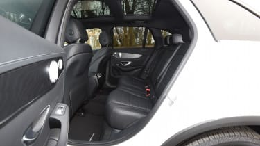 Mercedes GLC 350d 2017 - rear seats