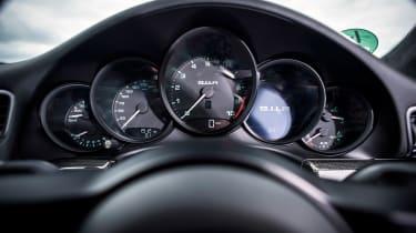 Porsche 911 R - dials