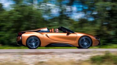 BMW i8 Roadster - side action