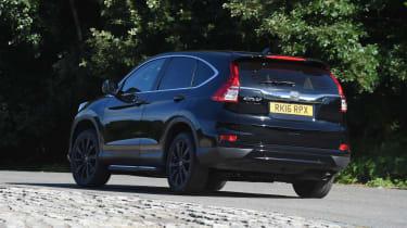 Honda CR-V Black Edition 2016 - rear cornering