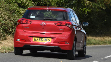 Hyundai i20 Turbo Edition - rear cornering
