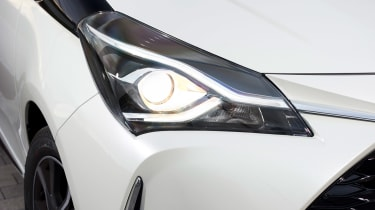 Toyota Yaris - front light detail