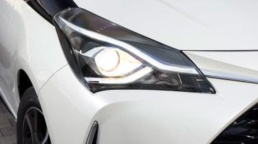 Toyota Yaris - front light detail