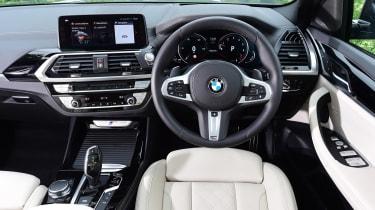 BMW X3 M40i - dash