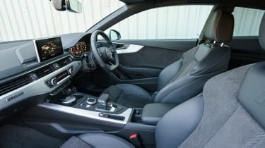 Audi A5 - front seats