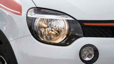 Triple test –Renault Twingo - headlight