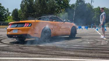 Ford Mustang doughnut rear