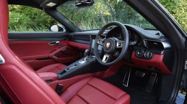 Porsche 911 Targa GTS - interior