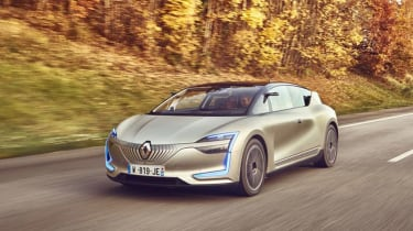 Renault Symbioz concept - front tracking