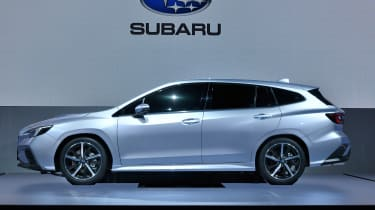 Subaru Levorg - side