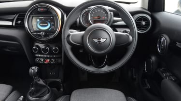 MINI One 5-door - interior