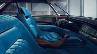 Peugeot e-LEGEND - seats