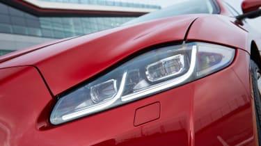 Jaguar XJ R-Sport 2015 light