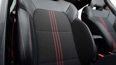 Renault Clio - seats