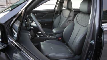 New Hyundai Santa Fe - front seats
