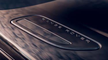 Range Rover Velar R-Dynamic Black - bonnet detail