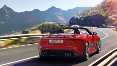Jaguar F-Type MY2017 - SVR convertible rear tracking