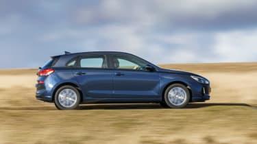New Hyundai i30 - side action