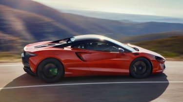 McLaren Artura - side