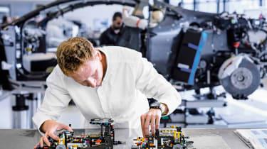 Bugatti Chiron LEGO - constructing